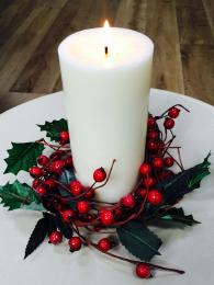 Candle Ring Berry and Leaf Christmas Table decoration
