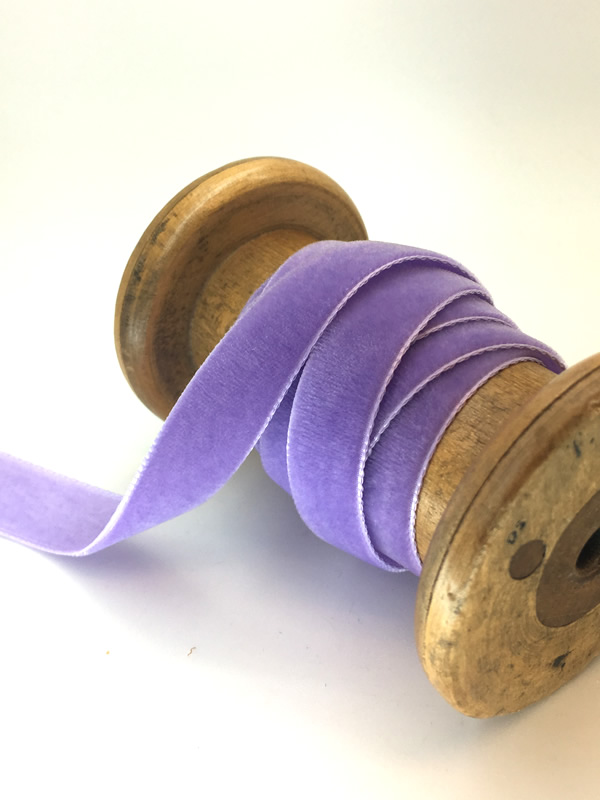 A purple velvet ribbon, 15 mm thick