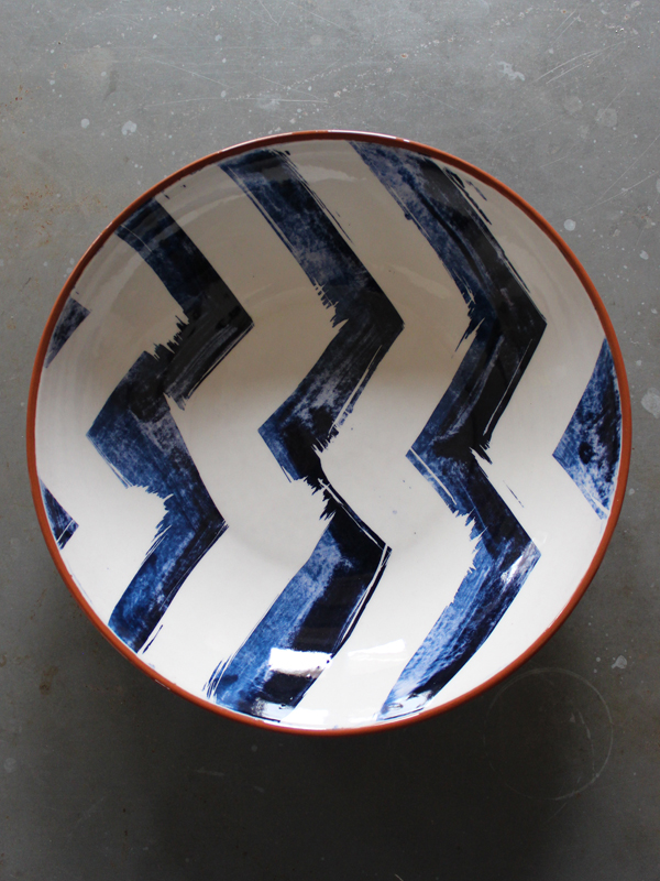 Ceramic bowl salad display large gloss pattern painted